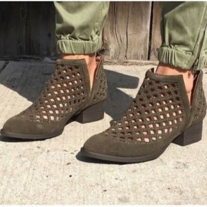 Jeffrey Campbell Taggart suede bootie